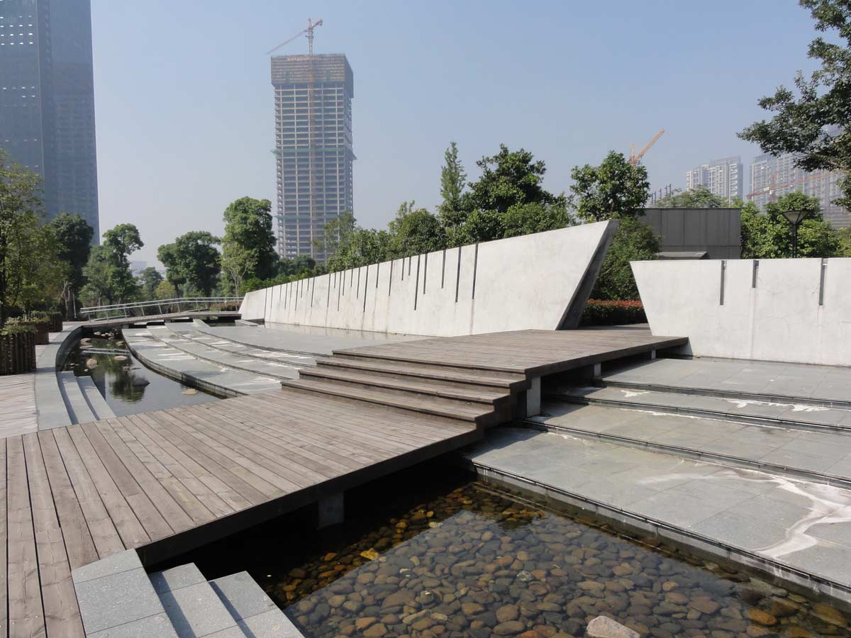 Following acceptance of a landscape master plan for this unique foreshore park to integrate the new hangzhou cbd development edge to the qiantiang river