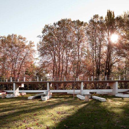 aranzadi-park-high-bridge-along-former-dike-pedro-pegenaute_300-dpi