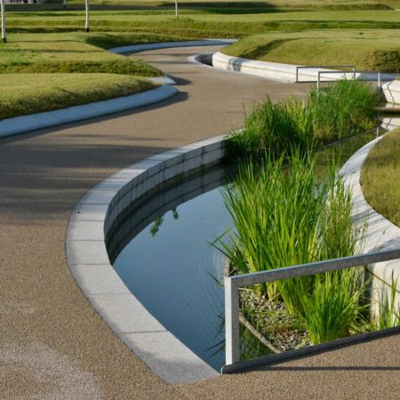 water-channel-with-vegetation_besco