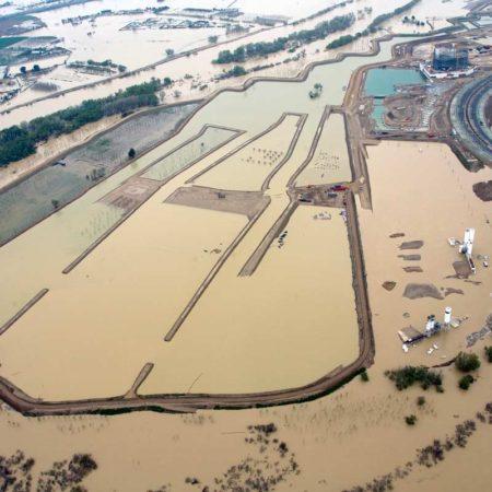 aldayjover_water-park_april-2007-flood