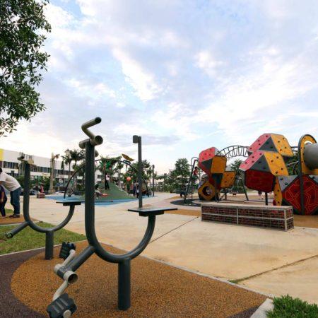 04-Playground
