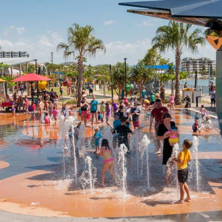 11.-Gladstone-East-Shores---waterplay-day---William-Debois