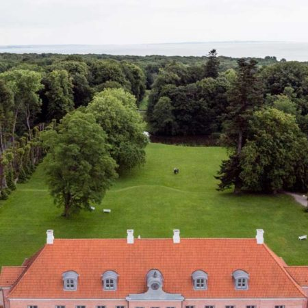 2_THE-OLD-MANOR-AND-PARK_photo_Mikkel-Barker