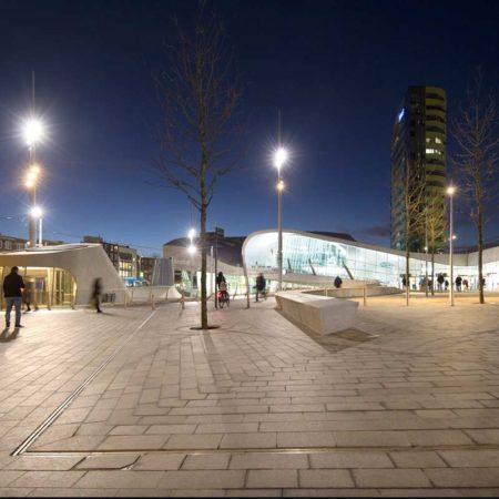 6_Bench-entrance-public-transport-terminal_photo_Frank-Hanswijk_hires
