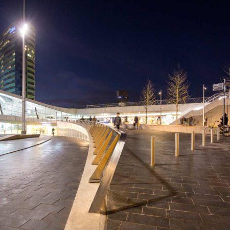 8_Bench-entrance-public-transport-terminal_photo_Frank-Hanswijk_2_hires