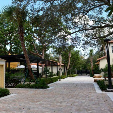 Hoch-Family-Village-Courtyard_Cadence-9