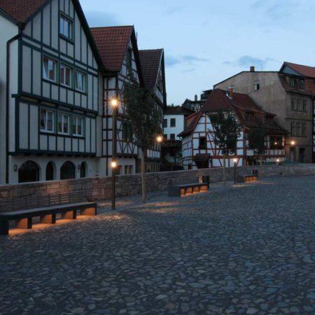 The-churchyard-at-night