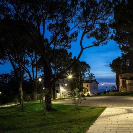 13---Piazzale-Seghizzi-by-night