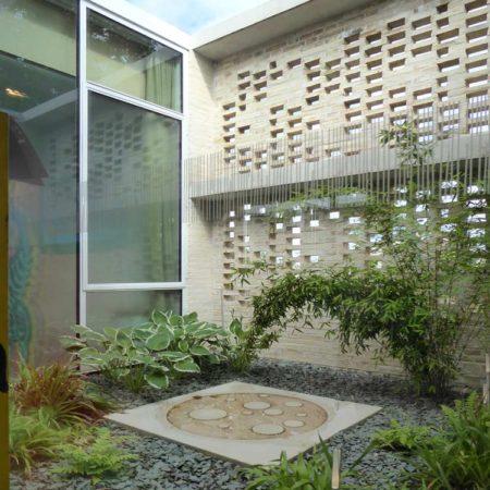 Maggies-courtyard