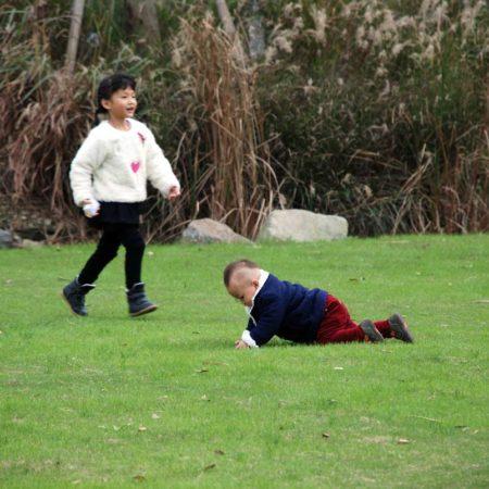 12-Children-Natural-Play