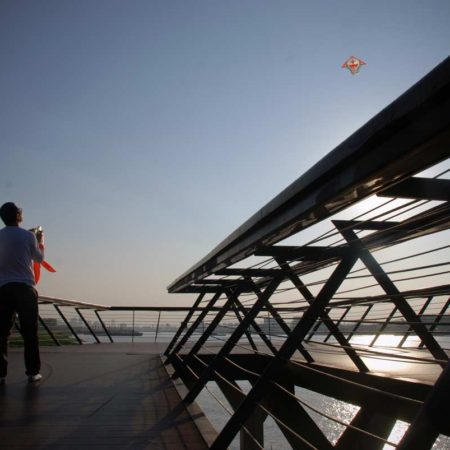 20-Man-flying-kite