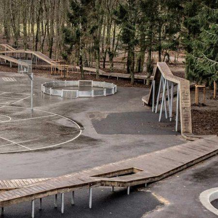 VEGA_Skoerping-School_03_constructing-schoolyard-and-forest