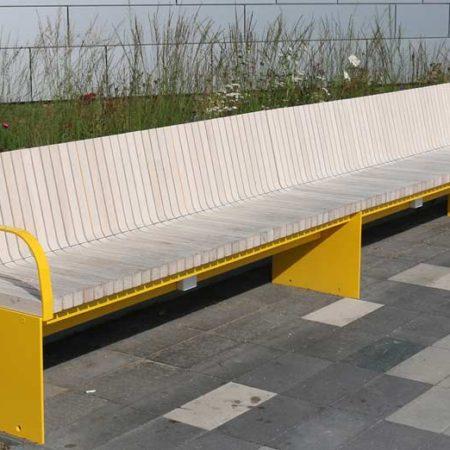 Vartan.bench.2