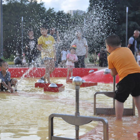 07-water-playing-field
