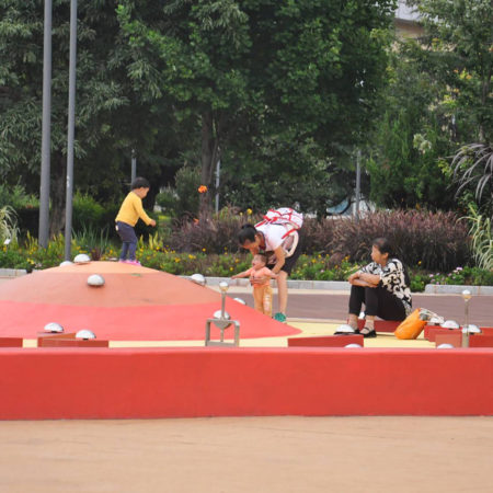 09-water-playing-field