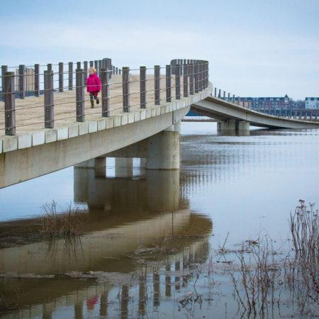 10_NEXT-architects_Zalige-bridge-with-high-water_january-2018_Photography-Rutger-Hollander