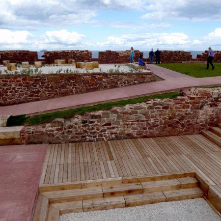 14.-View-of-amphitheatre-and-coastal-garden-credit-rankinfraser-landscape-architecture