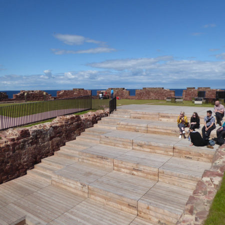 9.-View-towards-amphitheatre-and-Sea-Cubes,-credit-rankinfraser-landscape-architecture