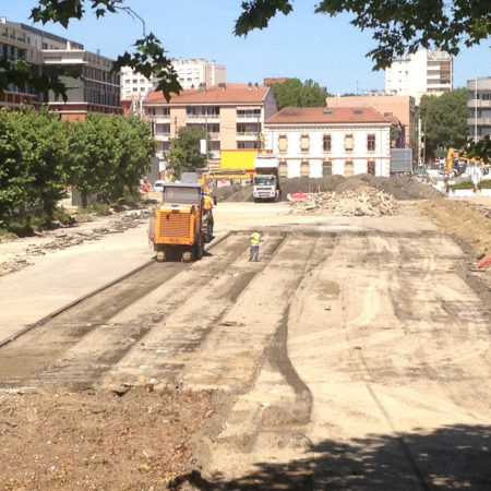 NIEL-CONSTR-1_Pick-up-the-asphalt-to-recycle-it-as-a-drainage-base-for-the-pathways