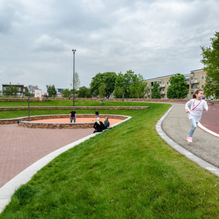 Reconnecting-and-revitalising-neighborhoods
