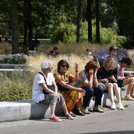 buro-sant-en-co-landschapsarchitectuur-oosterpark-amsterdam-ontwerp-vasteplanten-people-sitting