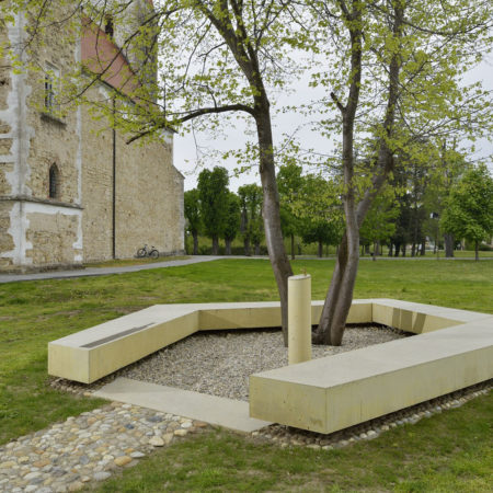 arh tomaz ebenspanger in tanja simonic korosak   spomenik tisina slo