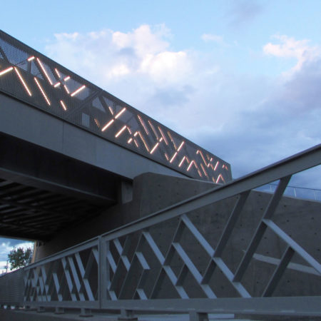 08_Partial-view-of-sidewalk-railing,-abutment-and-west-facing-guarderail-with-integrated-lighting