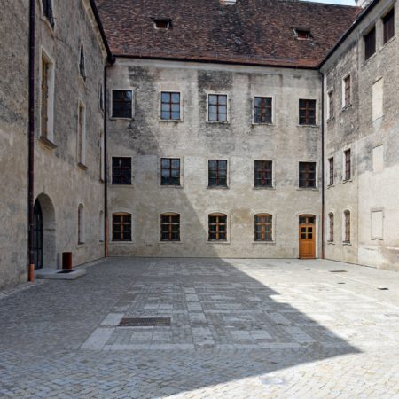 11_pavement_in courtyard@KDK (1)