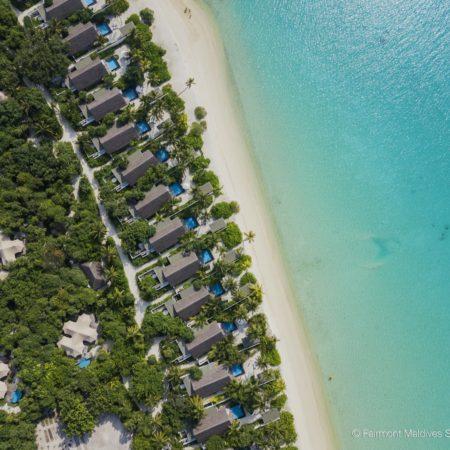 3-SirruFenFushi_Photo_03_BeachAerial