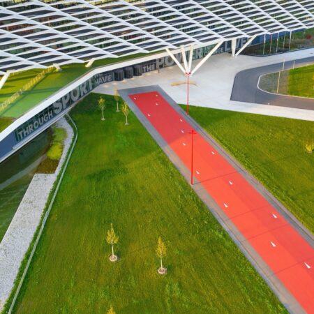 LOLA - adidas world campus_01 red star arena © Hanns Joosten