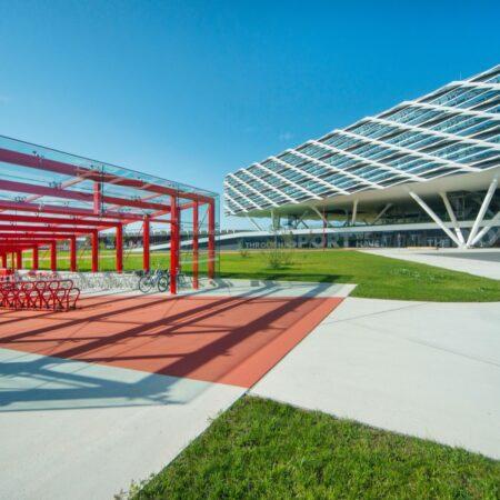 LOLA - adidas world campus_05 bike shelter © Hanns Joosten