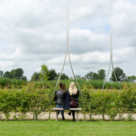 LOLA-landscape-08-park-groot-vijversburg-benches-incorporated-in-hedges