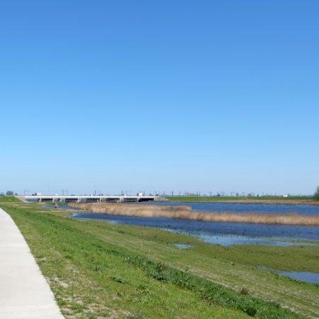View on the bridge over the Hanzelijn A50 - photo H+N+S