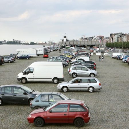 © Stad Antwerpen / The Quays of the Schelde in the 'Sint-Andries en Zuid' area were previously used for parking spaces.