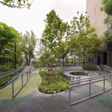 Therapeutic Garden with handrails and assisted paths
