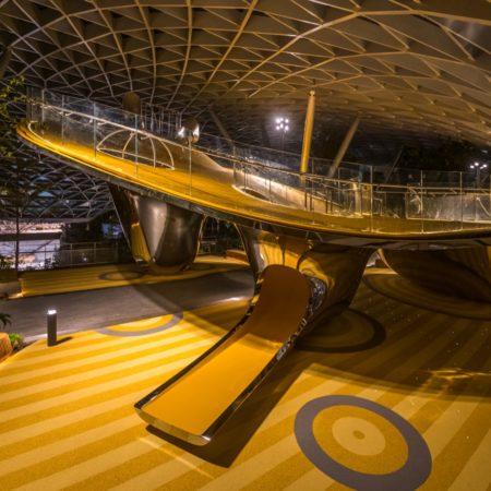© Carve_JEWEL_CHANGI AIRPORT_night photo_Photography_Playpoint (SINGAPORE) Pte Ltd (4)