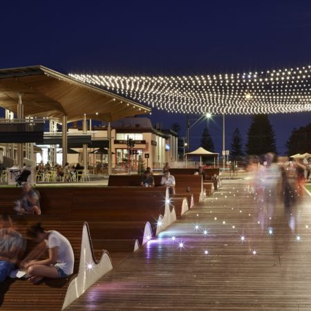 09_Henley Square