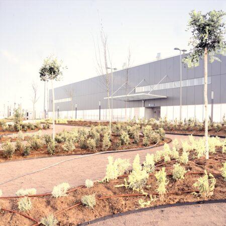 07_Landscape Emergency Hospital Madrid_Rain_Image