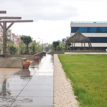 Ali-Pecen-Plaza-Terrace-22
