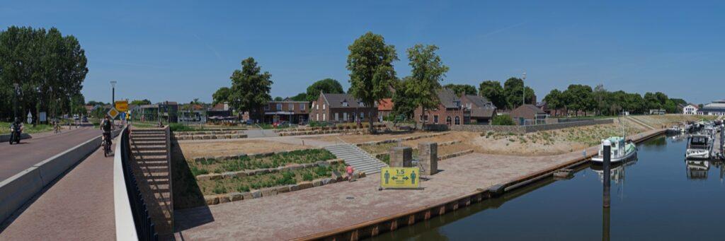 New bridge and village centre wanssum / Photo: Hans van der Meer