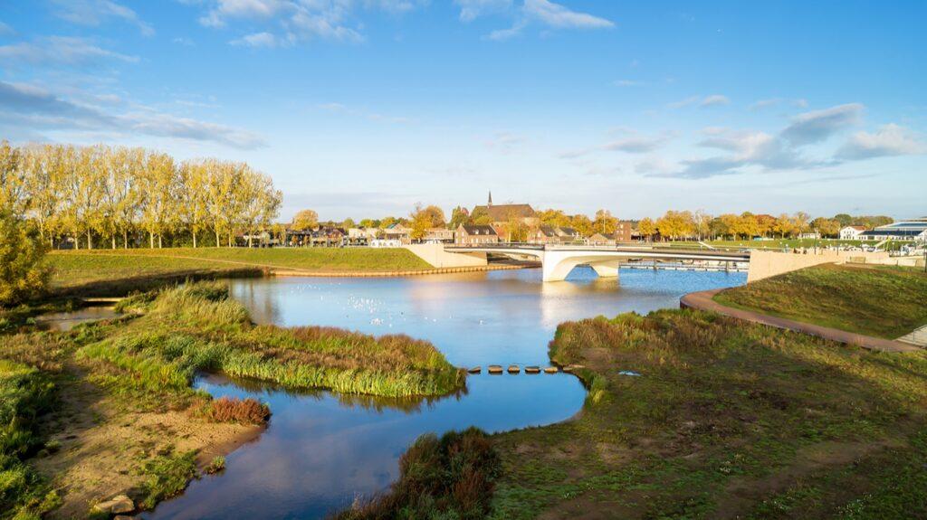 New nature area and bridge / Photo: Paul Poels Fotografie