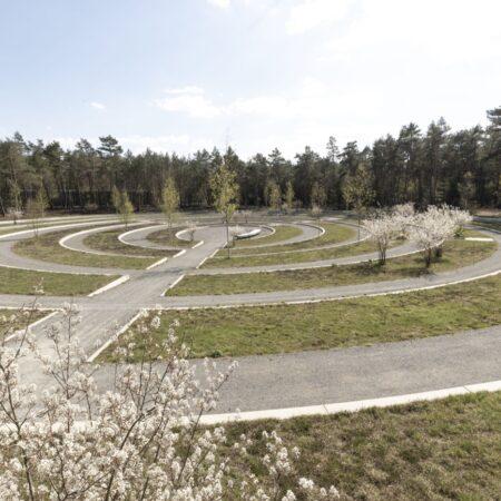 7. Karres en Brands - Loenen Memorial Extension