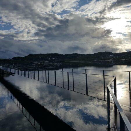 Innfall Jotun - Utkikkspunkt Sognefjellet speglbru. Foto M.Snøtun